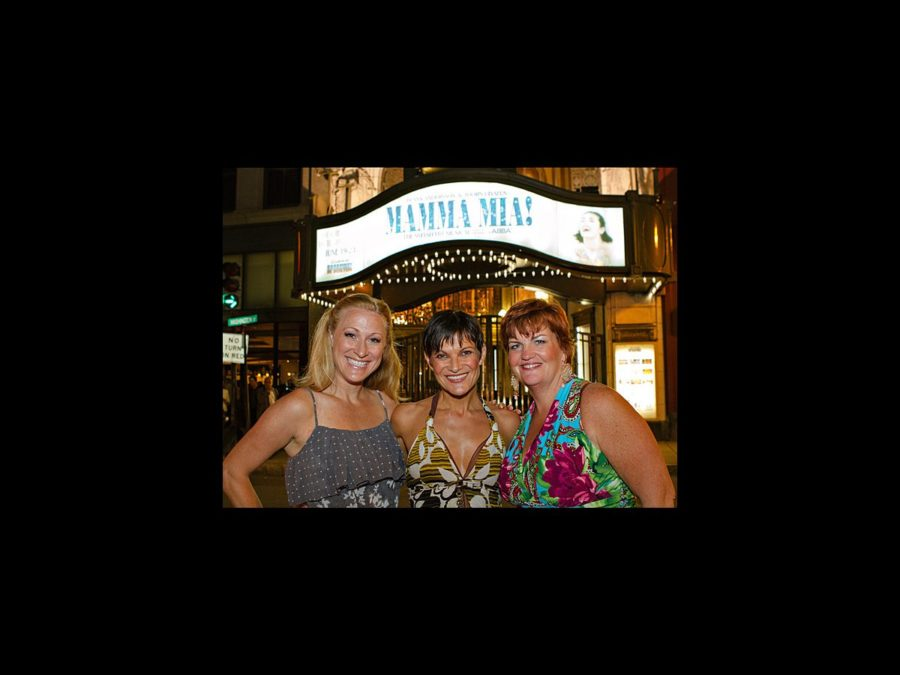 Hot Shot - Mamma Mia - tour - Boston opening - Alison Ewing - Kaye Tuckerman - Mary Callanan - wide - 6/12